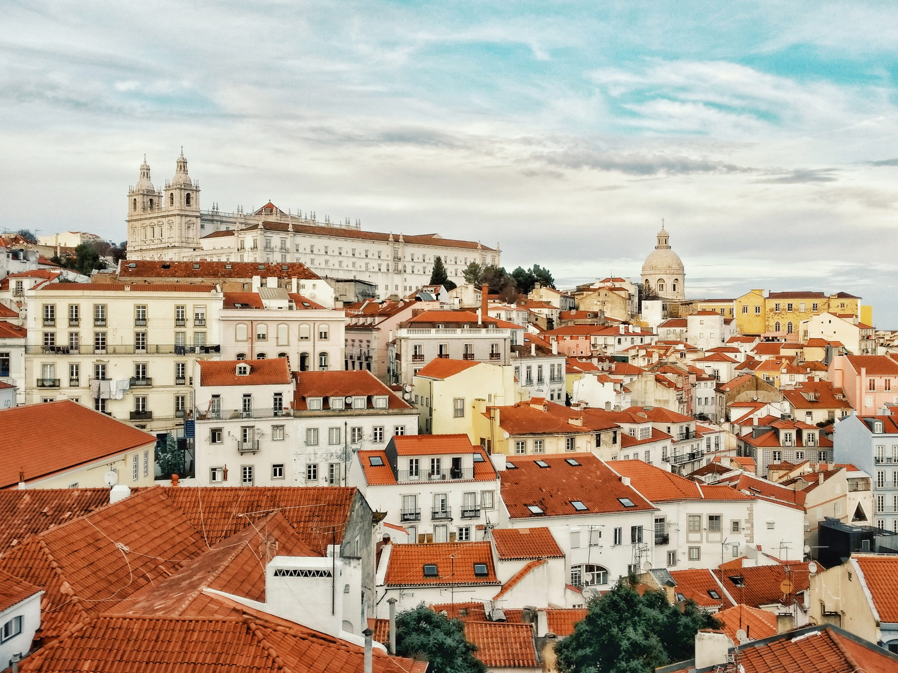 7 Hills of Lisbon and 7 Reasons to Visit the City